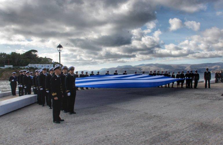 Οι φωτογραφίες ανήκουν στην Μαρία Ντινιακουδάκη, την οποία το Politischios.gr ευχαριστεί θερμά για την παραχώρησή τους.