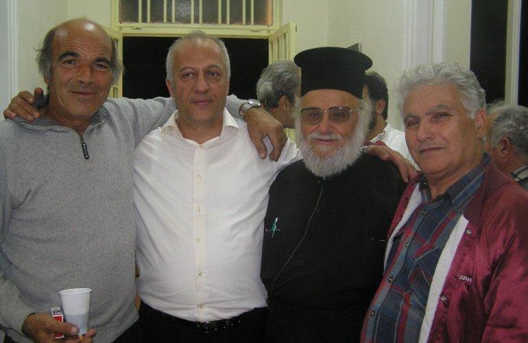 Με τον πατέρα του ιερέα Μαρκ. Μαλαφή