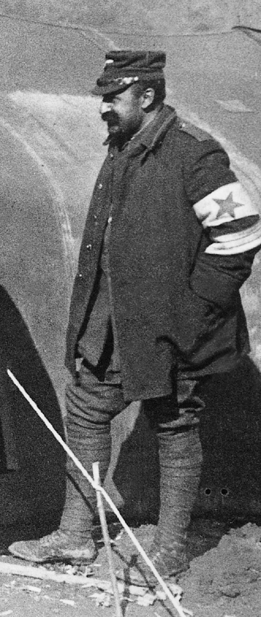 Ο Μιλτιάδης Νεγρεπόντης, ως επιλοχίας των αυτοκινήτων του Ελληνικού Στρατού, κατά τη διάρκεια των Βαλκανικών Πολέμων, εθελοντής όμως αν και ήταν βουλευτής Αττικοβοιωτίας
