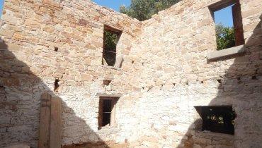 Το ερειπωμένο αρχοντικό Σκαναβή στον Κάμπο της Χίου, όπως έχει καταγραφεί στην ιστοσελίδα ΠΑΡΑΜΕΘΟΡΙΟΣ