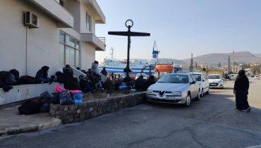 Σημερινή εικόνα έξω από το Κεντρικό Λιμεναρχείο της Χίου.