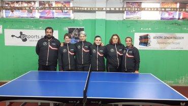 Από αριστερά: Αναγνώστου Ε. Κων/νος(προπονητής), Μαρτίνη Αλεξάνδρα, Μιτακίδου Μαρία, Κουτσουράκη Άρτεμις, Μοίρου Μαρία, Δημητριάδου Δήμητρα(Έφορος)