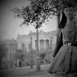 Άποψη από το μνημείο του Αγνώστου Στρατιώτη. Διακρίνεται εύζωνας της Προεδρικής (τότε βασιλικής) Φρουράς).